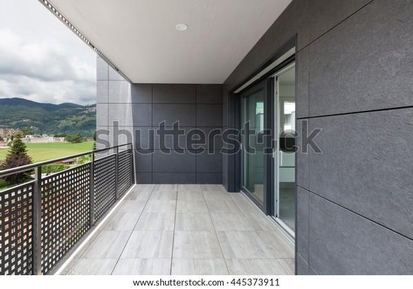 Moderne Architektur, Balkon eines Gebäudes
