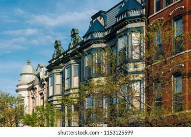 Architecture on Armitage Avenue, in Lincoln Park, Chicago, Illinois