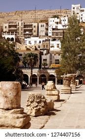 the architecture and roman ruins at the Hashemite quater in the City Amman in Jordan in the middle east.  Jordan, Amman, April, 2009