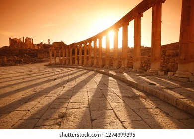 the architecture of the Roman Ruins of Jerash in the north of Amann in Jordan in the middle east.     Jordan, Jerash, April, 2009