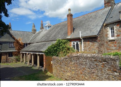 architecture in totnes, great britain