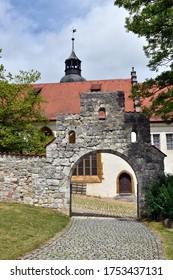 Archway in the courtyard of Hellenstein Castle in Heidenheim
