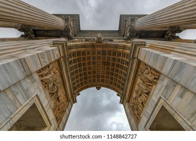 Arco della Pace, (Arch of Peace), near Sempione Park in city center of Milan, Italy