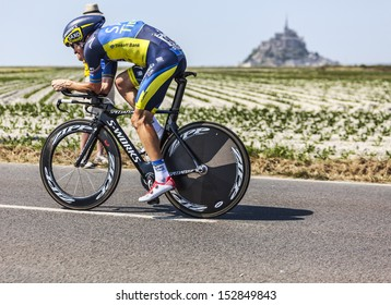 ARDEVON,FRANCE-JUL 10:The cyclist Michael Rogers fromTeam Saxo-Tinkoff cycling during the stage 11 (time trial Avranches -Mont Saint Michel) of the edition 100 of Le Tour de France on July 10, 2013