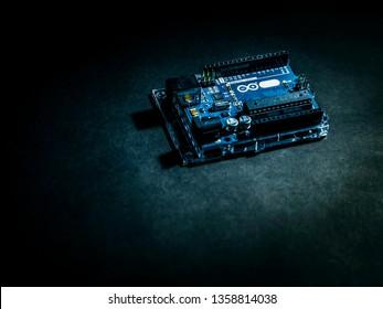 Arduino control broad element on the dark background