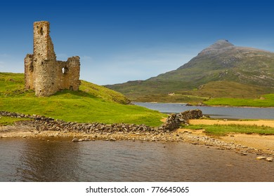 Ardvreck Castle on the shores of Loch Assynt, Sutherland, Highlands of Scotland is a ruined tower house built in 1590 by the Macleod Clan with historic connections to the Marquis of Montrose. UK