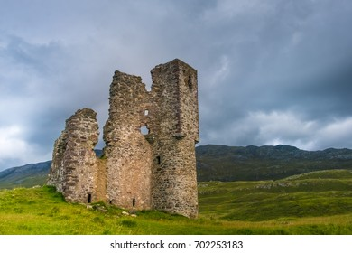 Ardvreck Castle, a ruined 16th century castle standing on a rocky promontory jutting out into Loch Assynt in Sutherland in the far north west of the Scottish Highlands.