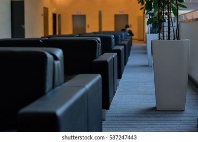 Area for meetings and negotiations in the lobby