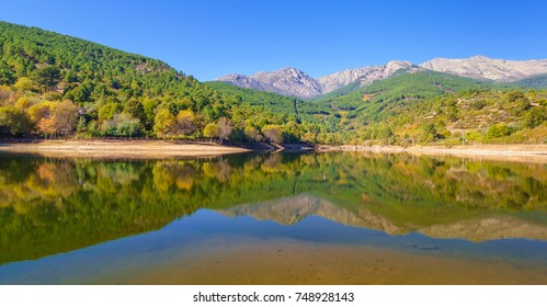 Arenas de San Pedro lake is located in the Sierra de Gredos. It is one of the top locations for rural tourism in Spain.