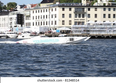 ARENDAL - JUL 16: Boat 69,Team: Welmax Offshore Racing. Norwegian Grand Prix. July 16, 2011. in Arendal Norway