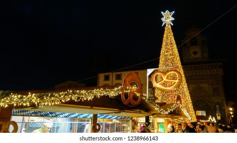 AREZZO, ITALY - NOVEMBER 17, 2018: Christmas tree in the main square of Arezzo at night