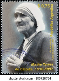 ARGENTINA - CIRCA 1997: A stamp printed in Argentina shows mother Teresa, circa 1997