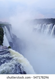 Argentina, Misiones, Puerto Iguazu, Iguazu Falls, View of the Garganta del Diablo.