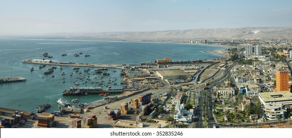 "ARICA, CHILE - APRIL 18: View of the northernmost city of Chile from ""Morro de Arica"" hill on April 18, 2015 in Arica, Chile."