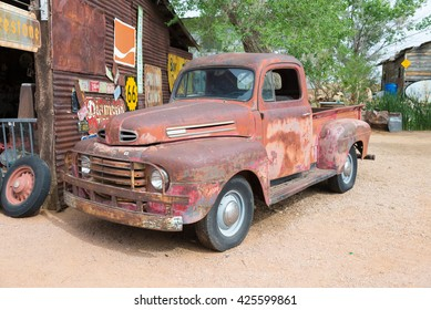 ARIZONA, USA - APRIL 23, 2014: popular museum of old Route 66 - Hackberry general store
