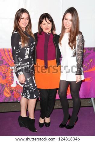Arlene Phillips Daughters Arriving Press Night Stock Photo Edit Now