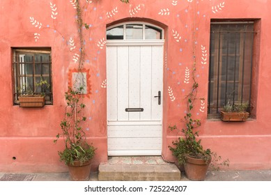Arles in the south of France, beautiful and typical pink house