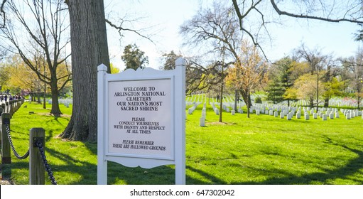 Arlington Cemetery Welcome sign - WASHINGTON / DISTRICT OF COLUMBIA - APRIL 8, 2017