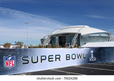 ARLINGTON - JAN 26: A view of Cowboys Stadium in Arlington, Texas and Super Bowl XLV sign. Taken January 26, 2011 in Arlington, TX.