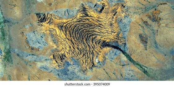 armadillo,allegory, tribute to Pollock, abstract photography of the deserts of Australia from the air,aerial view, abstract expressionism, contemporary photographic art, abstract naturalism,