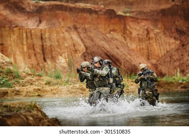 army rangers in action in the battlefield area