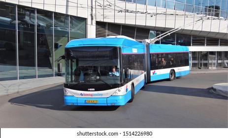 Arnhem / Netherlands - August 21 2019: A HESS Trolleybus for the public transport of the bus company 'Breng' in the Dutch city Arnhem at the bus and railway station
