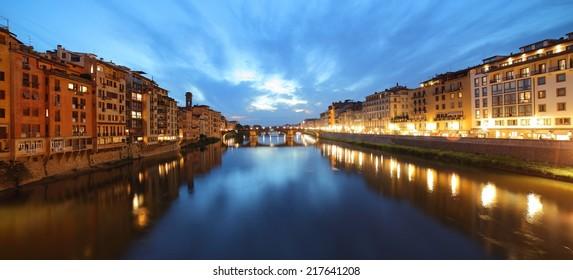Arno River sunset panorama, Florence, Tuscany, Italy.