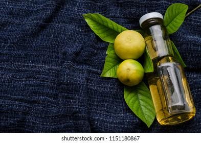 aroma oil massage lemon