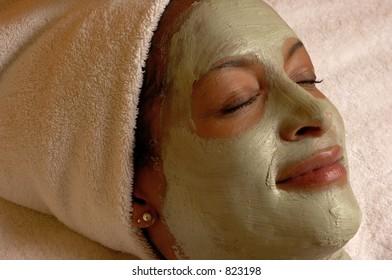 Aroma Plus Spa Facial