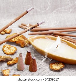 Aroma Set of Candle and Smoking Sticks with Cinnamon