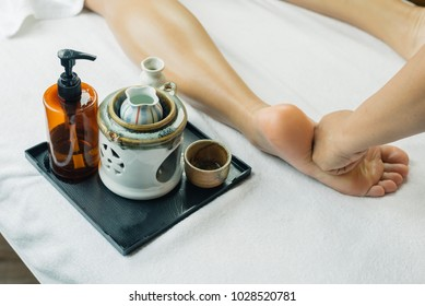 Aromatherapy massage series: Foot massage