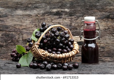 Aronia apples berries