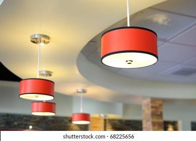 Arrangement of hanging lighting fixtures