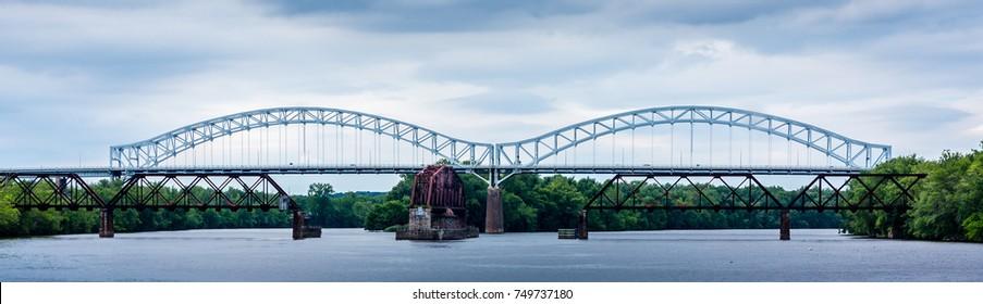 Arrogoni Bridge between Middletown and Portland, CT over Connecticut River