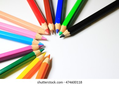 art of color pencils as wallpaper