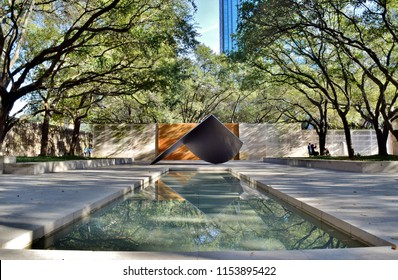 Art Garden and Reflecting Pool in Downtown Dallas - Dallas, Texas, United States of America