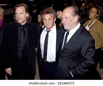 Art Linson, Sean Penn, Bill Pohlad at INTO THE WILD World Premiere at the 32nd Annual Toronto International Film Festival, Elgin Theatre VISA Screening Room, Toronto September 09, 2007