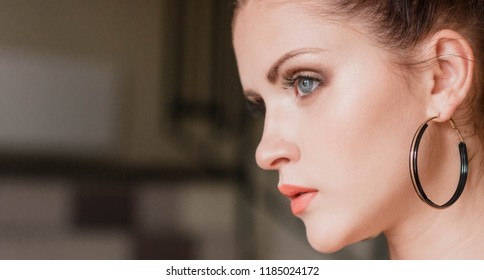 Art portrait of a beautiful girl. gorgeous brunette girl. Vogue fashion style portrait of young pretty beautiful woman.