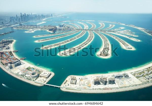 Искусственный остров Jumeirah Palm Island On Sea, Дубай, Объединенные Арабские Эмираты