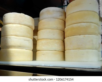 Artisanal Canastra Cheese and Minas Cheese
