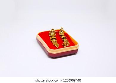 artistic golden ear jwellery