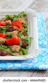 arugula salad strawberry tomato