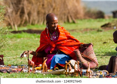 ARUSHA, TANZANIA - AUGUST 10: Masai woman selling craft objects, people still live in the old way with traditional dress august 10, 2014 in Arusha, Tanzania