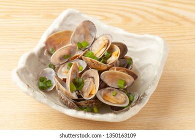 asari clams steamed with Japanese sake
