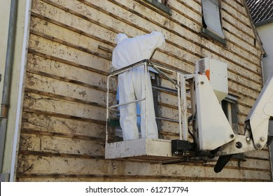 Asbestos abatement (house facade)