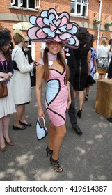 ASCOT - JUN 19, 2013: Racegoers attend day two of Royal Ascot at Ascot Racecourse on Jun 19, 2013 in Ascot