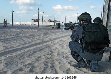 ASHDOD,ISR - SEP 09:Yamam unit simulate sea terror attack on Israeli beach on Sep 09 2007.It capable of both hostage-rescue operations and offensive take-over raids against targets in civilian areas.