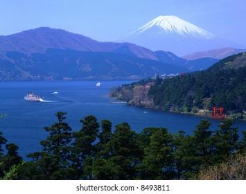 Ashino lake and Mt,fuji in winter
