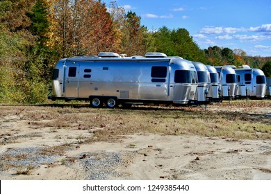 Airstream Images, Stock Photos & Vectors | Shutterstock