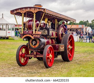 Ashley Hall, Ashley, Cheshire, UK. May 28th 2017. Showmans steam engine on display at the Ashley Hall Traction Engine Rally, Ashley Hall, Cheshire, UK